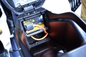 Elektroroller Ecooter E5 Batteriestauraum